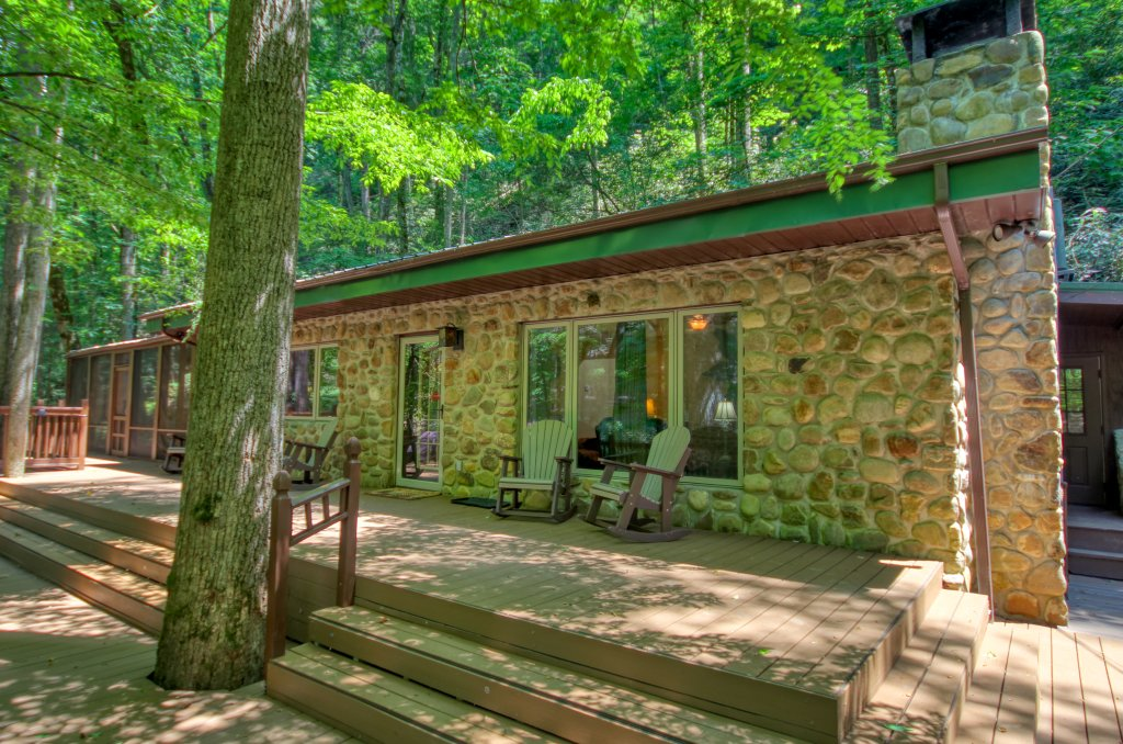 Photo of a Sevierville Cabin named The Promise At Cool Creek #130 - This is the twenty-fourth photo in the set.