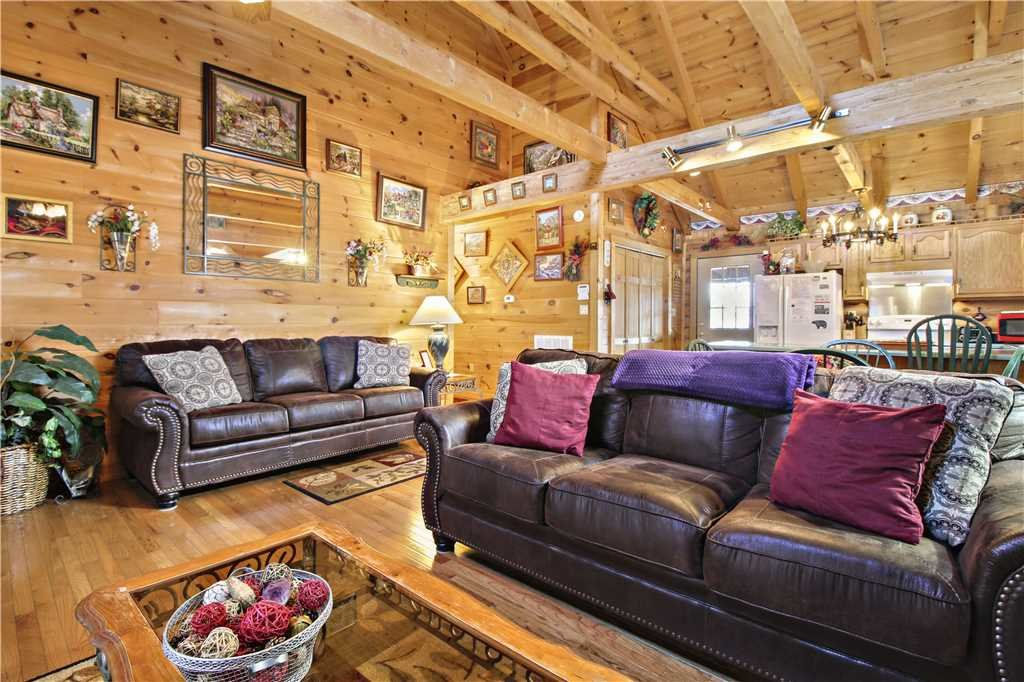 Photo of a Gatlinburg Cabin named Alpine Ski Lodge - This is the third photo in the set.