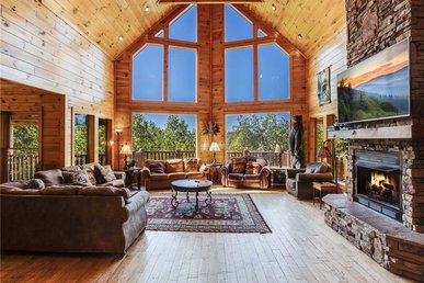 Big Bear Lodge, 5 Bedrooms, View, Hot Tub, Privacy, Jacuzzis, Sleeps 26