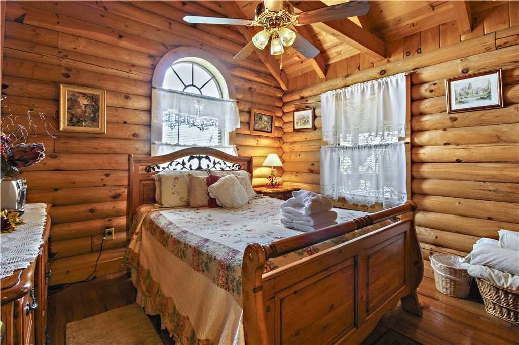 Photo of a Gatlinburg Cabin named Alpine Ski Lodge - This is the fifteenth photo in the set.