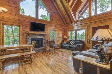 Bear Creek Lodge Covered Bridge, 5 Bedrooms, Pool Table, Arcade, Sleeps 17