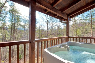 Black Bear Hideaway, 3 Bedrooms, Hot Tub, Pool Table, View, Wifi, Sleeps 12