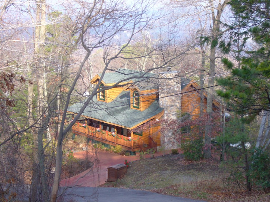 Photo of a Gatlinburg Cabin named Alpine Ski Lodge - This is the thirtieth photo in the set.