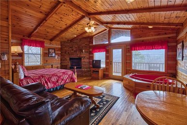Kear's Mountain Magic, 1 Bedroom, Hot Tub, Grill, Jetted Tub, Sleeps 2