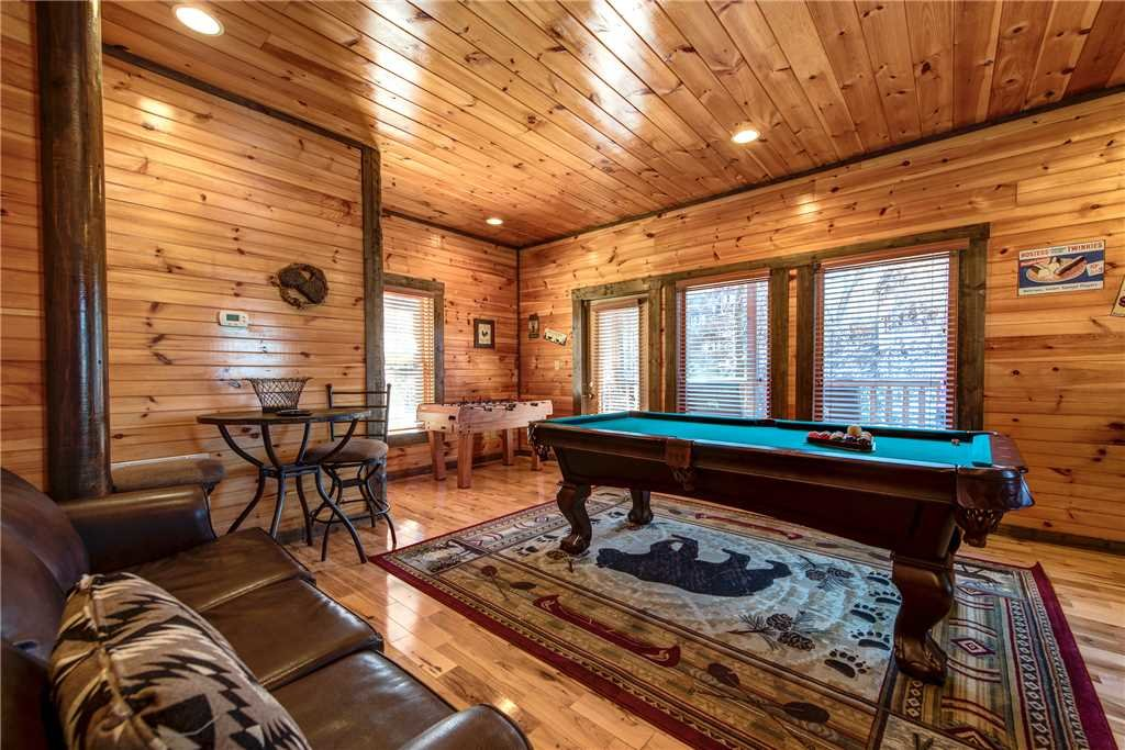 Photo of a Gatlinburg Cabin named Old Hickory Lodge - This is the twelfth photo in the set.