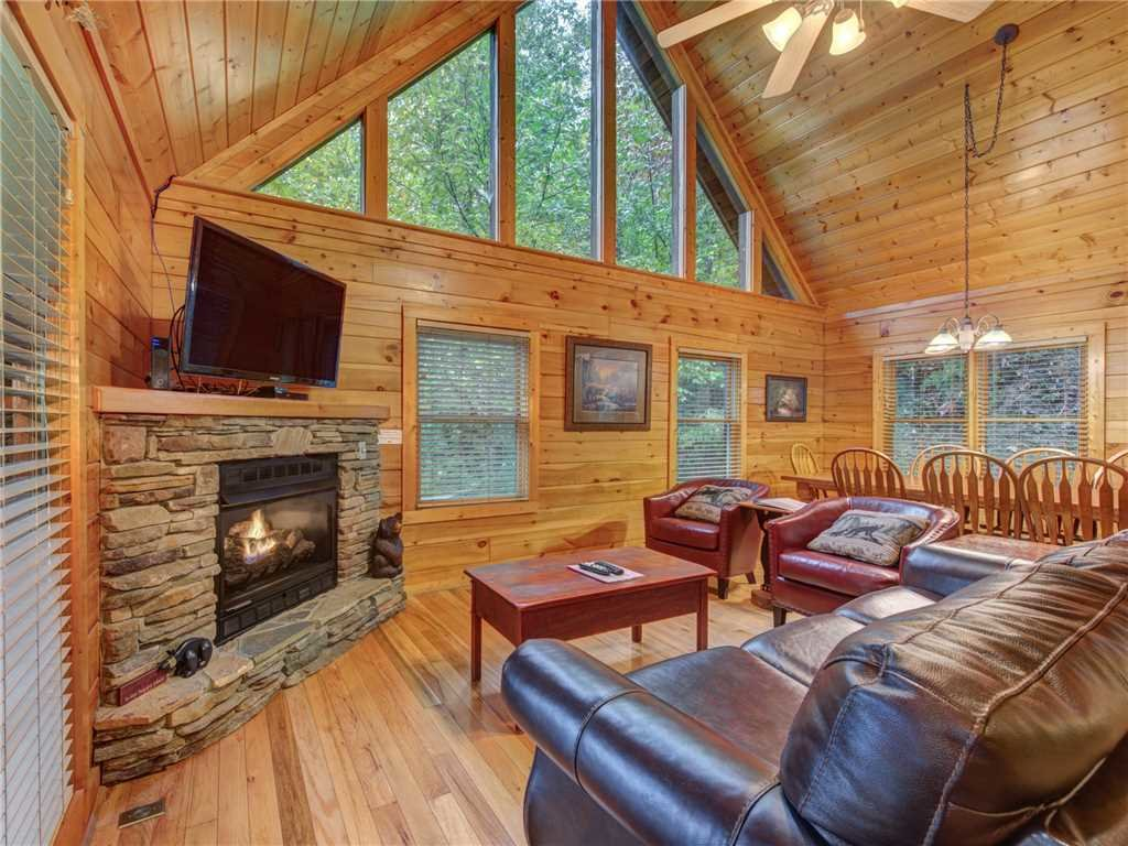 Photo of a Gatlinburg Cabin named Bear's Corner - This is the first photo in the set.