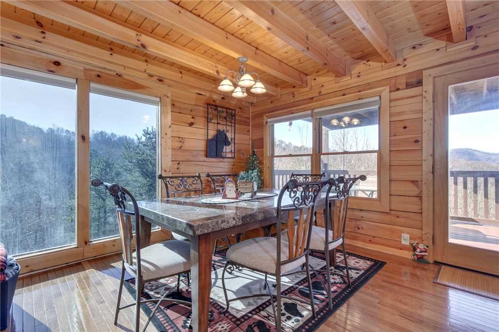 Photo of a Sevierville Cabin named Lookout Ridge - This is the ninth photo in the set.