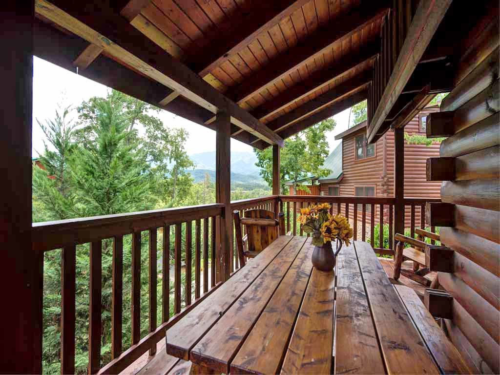 Photo of a Gatlinburg Cabin named Artistic Mountain - This is the eighteenth photo in the set.