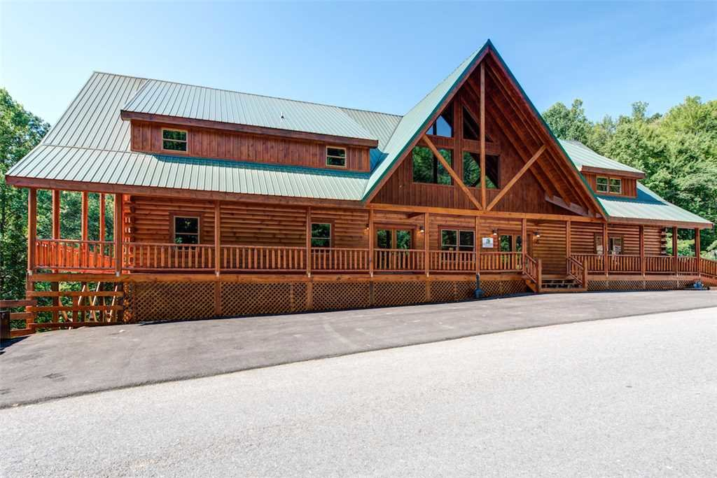 Photo of a Pigeon Forge Cabin named Sherwood Splash Lodge - This is the forty-first photo in the set.