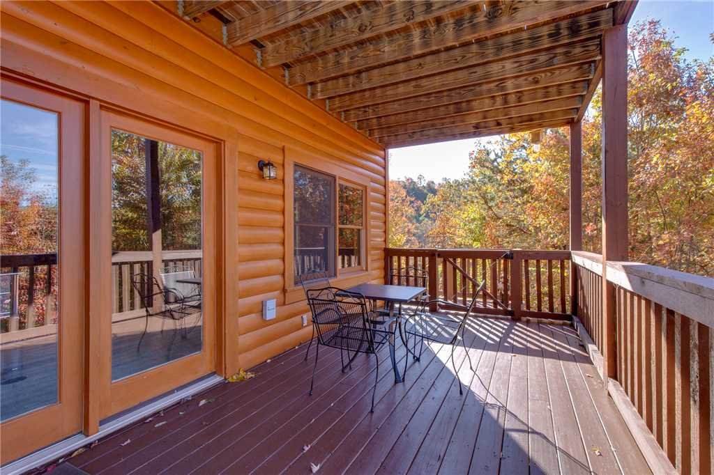 Photo of a Sevierville Cabin named Lookout Ridge - This is the fortieth photo in the set.
