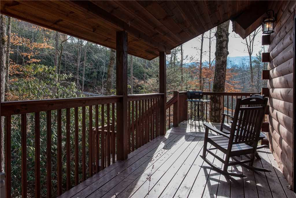 Photo of a Gatlinburg Cabin named Dreams & Streams - This is the nineteenth photo in the set.