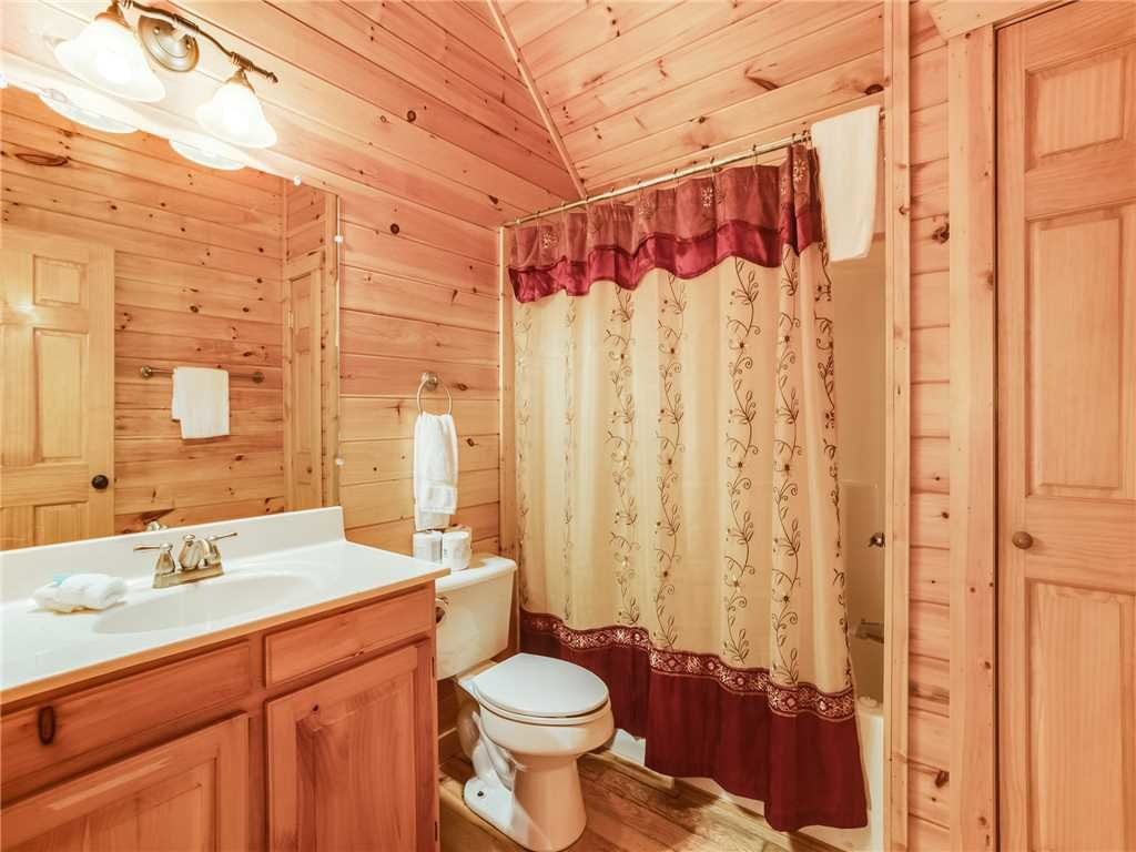 Photo of a Gatlinburg Cabin named Gatlinburg Summit Views - This is the twenty-first photo in the set.