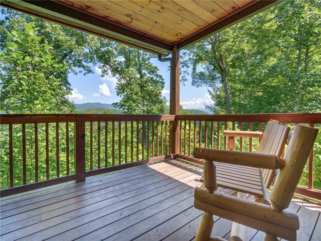 Photo of a Sevierville Cabin named Riversound Romance - This is the first photo in the set.
