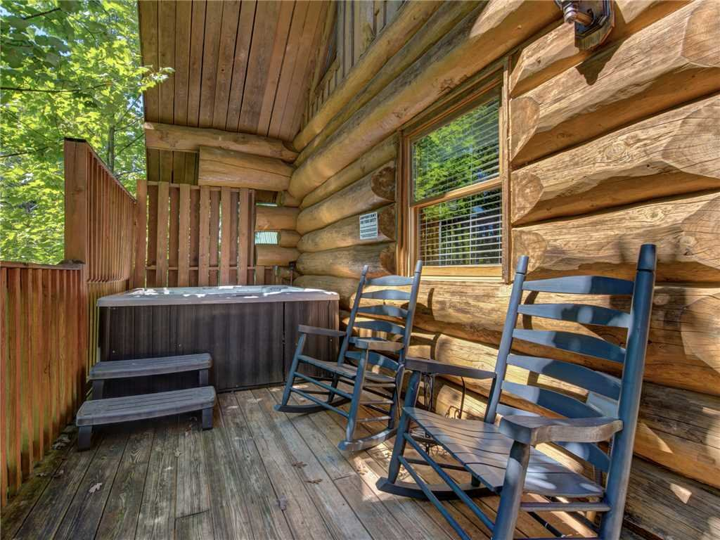 Photo of a Gatlinburg Cabin named American Heritage - This is the twenty-seventh photo in the set.