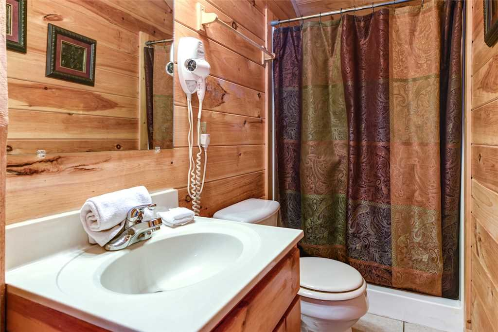 Photo of a Gatlinburg Cabin named American Heritage - This is the nineteenth photo in the set.