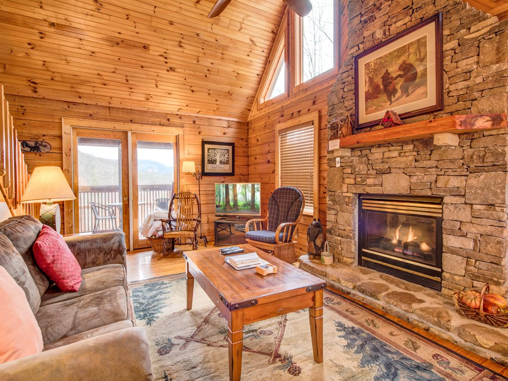 Photo of a Sevierville Cabin named Robin's View - This is the fourth photo in the set.