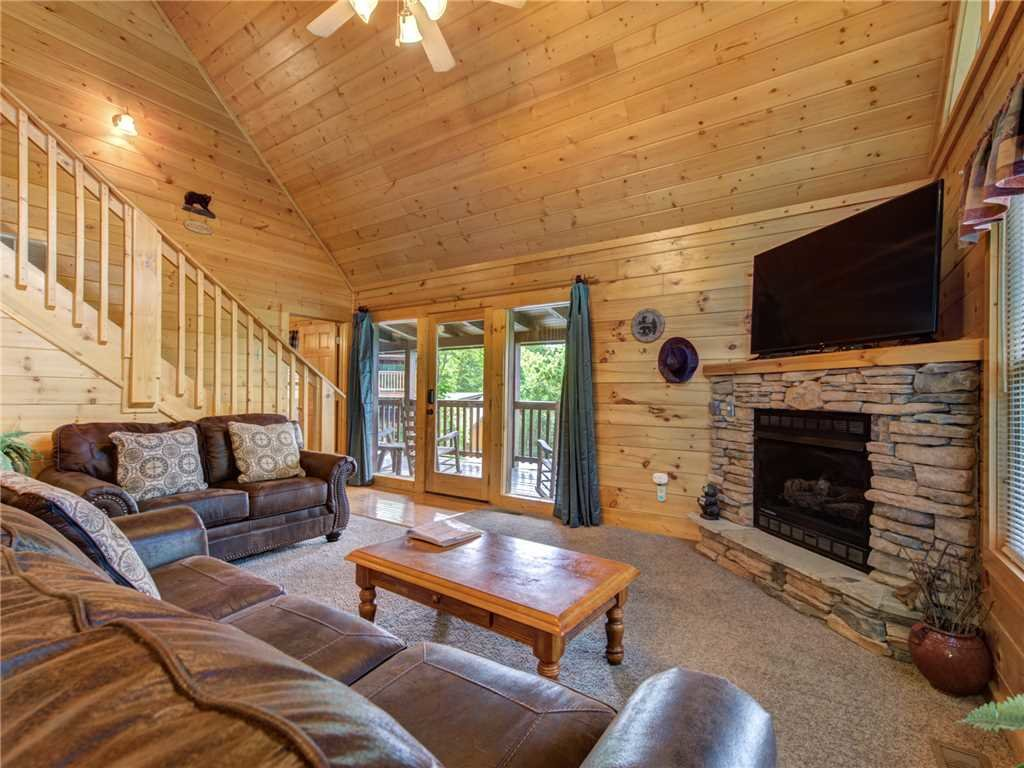 Photo of a Gatlinburg Cabin named Peace 'n Quiet - This is the first photo in the set.
