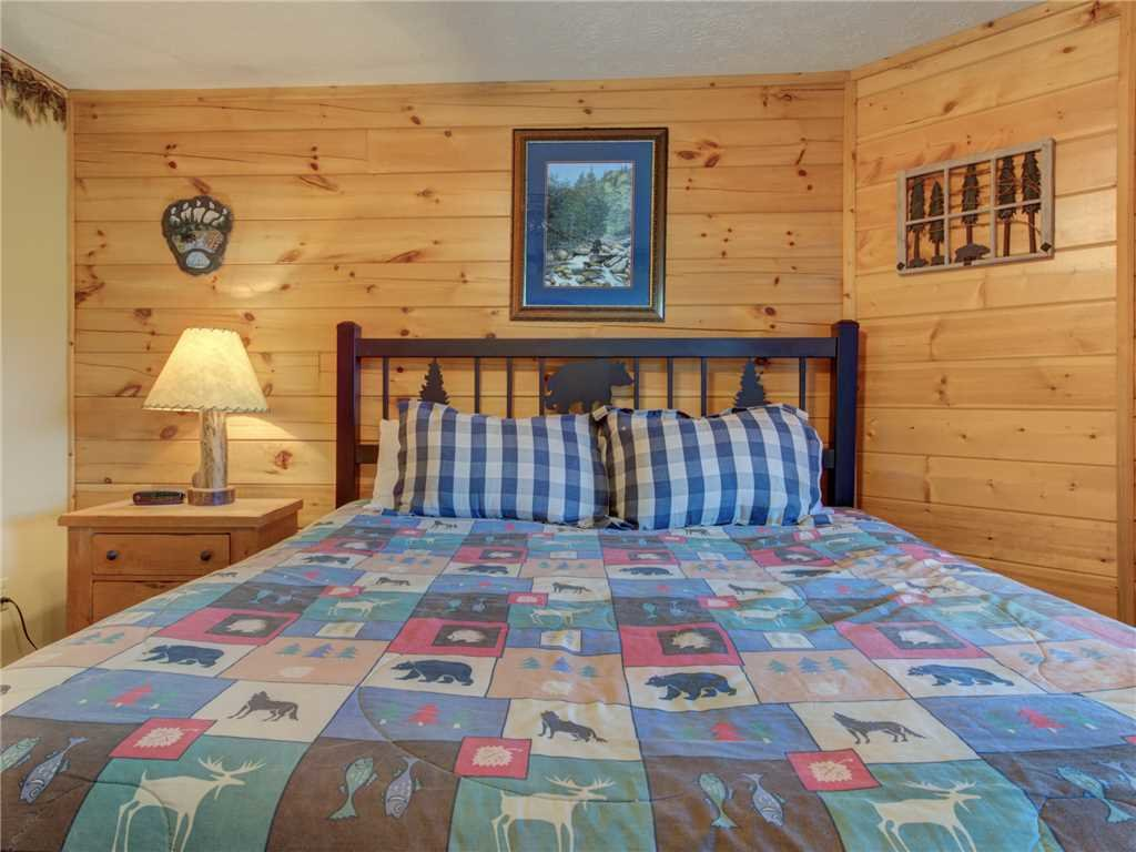 Photo of a Gatlinburg Cabin named Peace 'n Quiet - This is the twenty-second photo in the set.