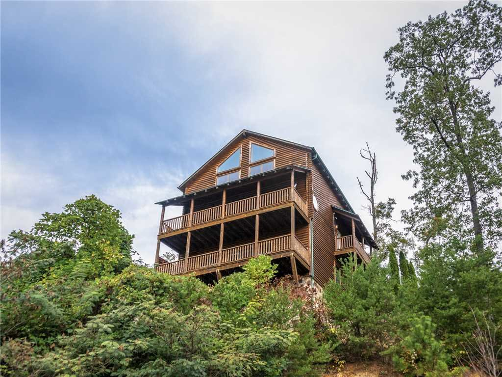 Photo of a Gatlinburg Cabin named Destiny's Heavenly View - This is the thirty-first photo in the set.