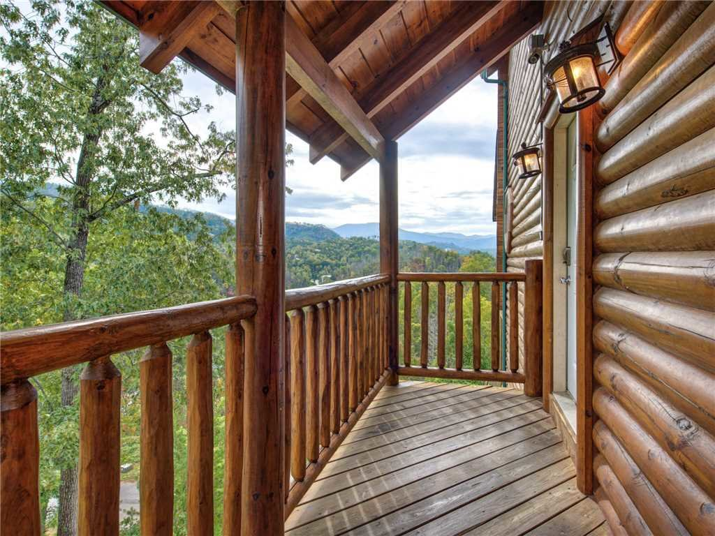 Photo of a Gatlinburg Cabin named Destiny's Heavenly View - This is the twenty-ninth photo in the set.