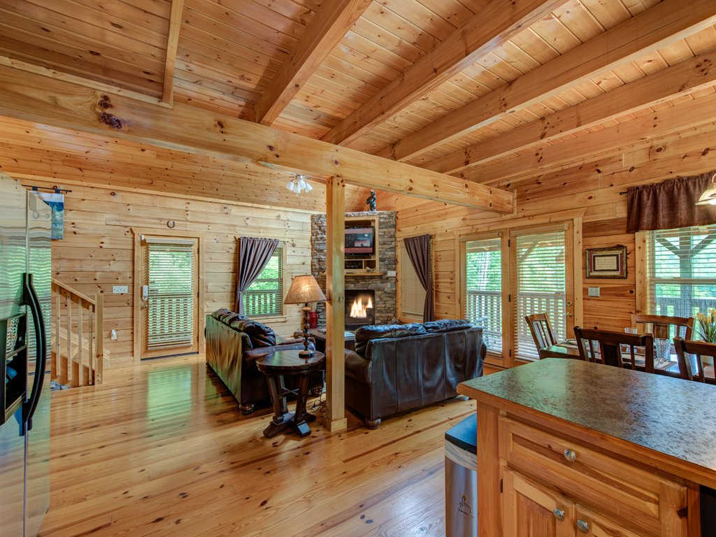 Photo of a Gatlinburg Cabin named Triple Mountain View - This is the seventh photo in the set.