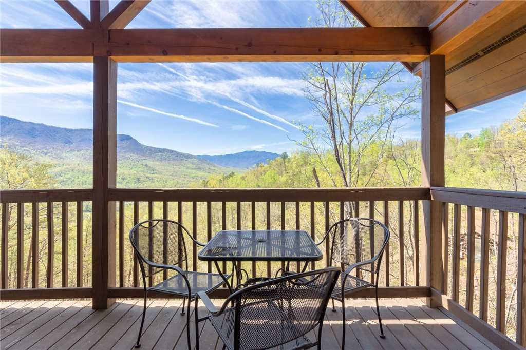 Photo of a Gatlinburg Cabin named Bearly Heaven - This is the twenty-eighth photo in the set.