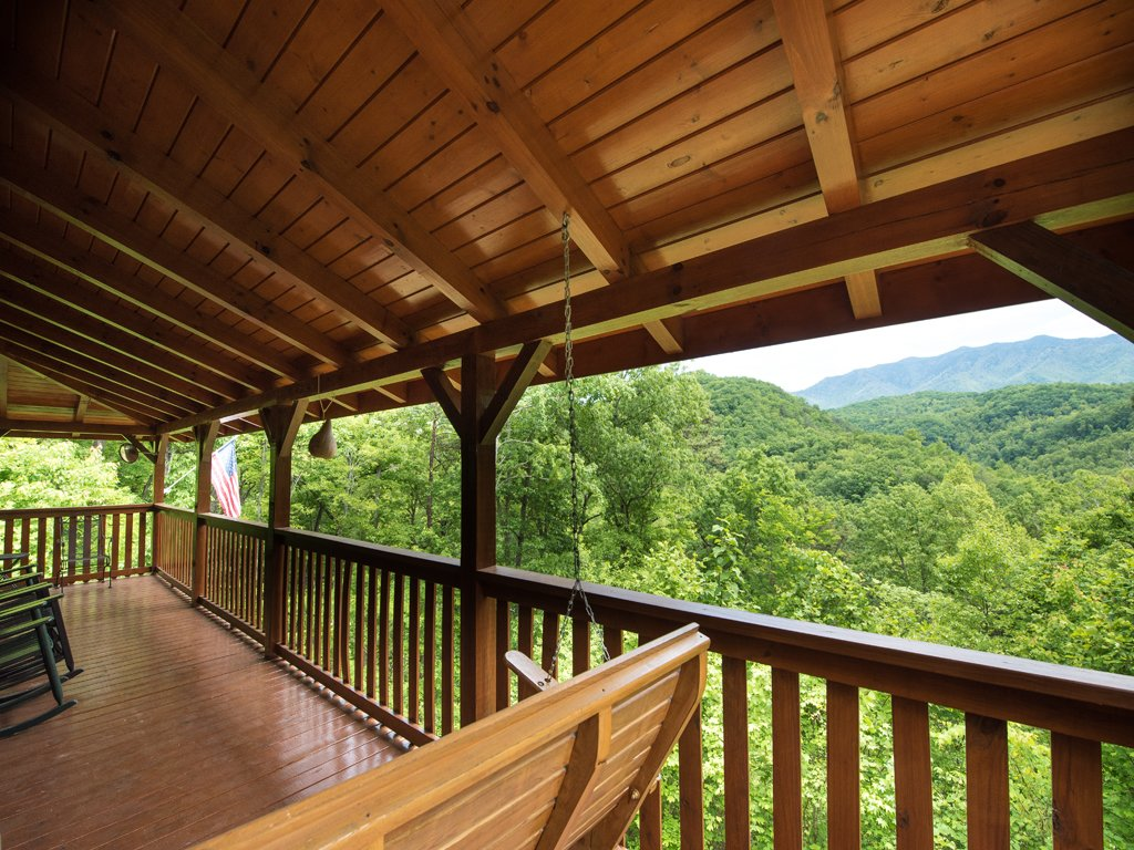 Photo of a Gatlinburg Cabin named Triple Mountain View - This is the thirtieth photo in the set.