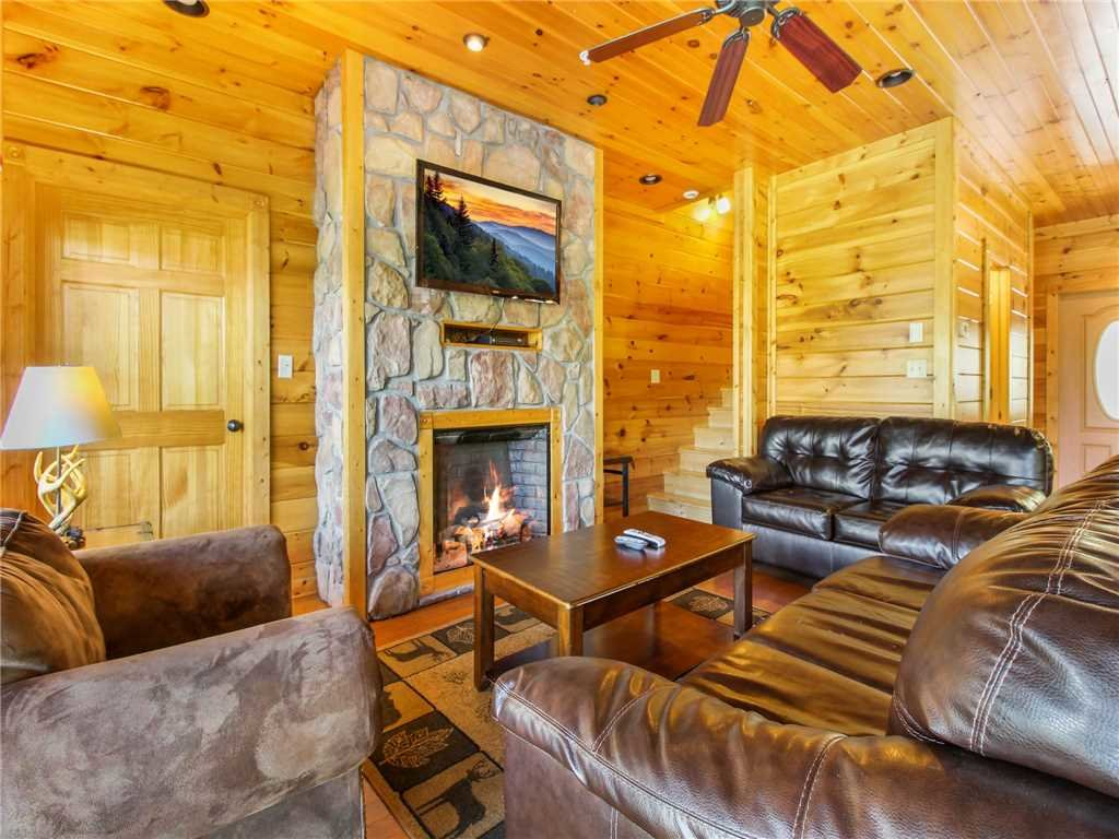 Photo of a Gatlinburg Cabin named Big Sky Lodge Ii - This is the fourth photo in the set.