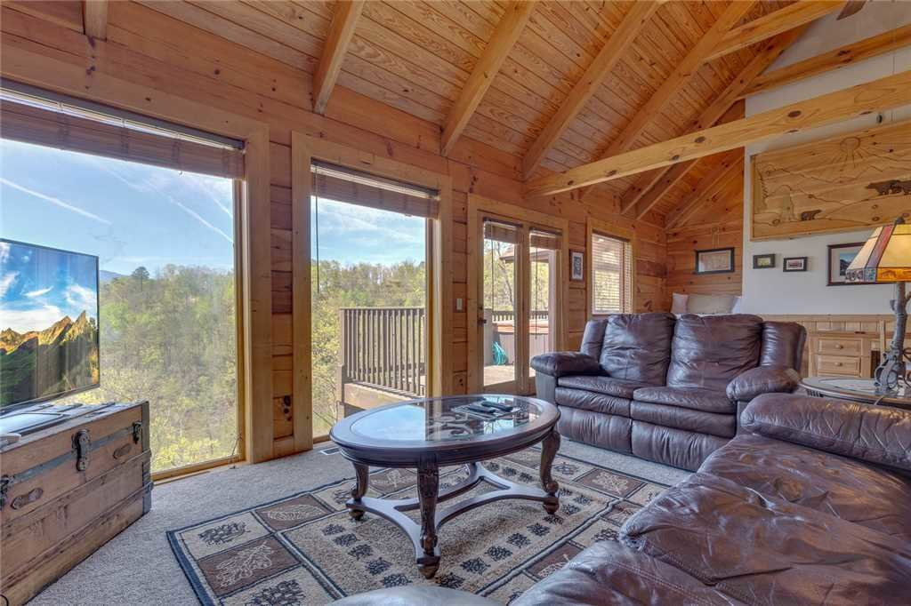 Photo of a Gatlinburg Cabin named Bearly Heaven - This is the third photo in the set.