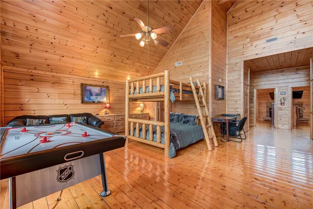 Photo of a Sevierville Cabin named Having A Blast - This is the seventeenth photo in the set.