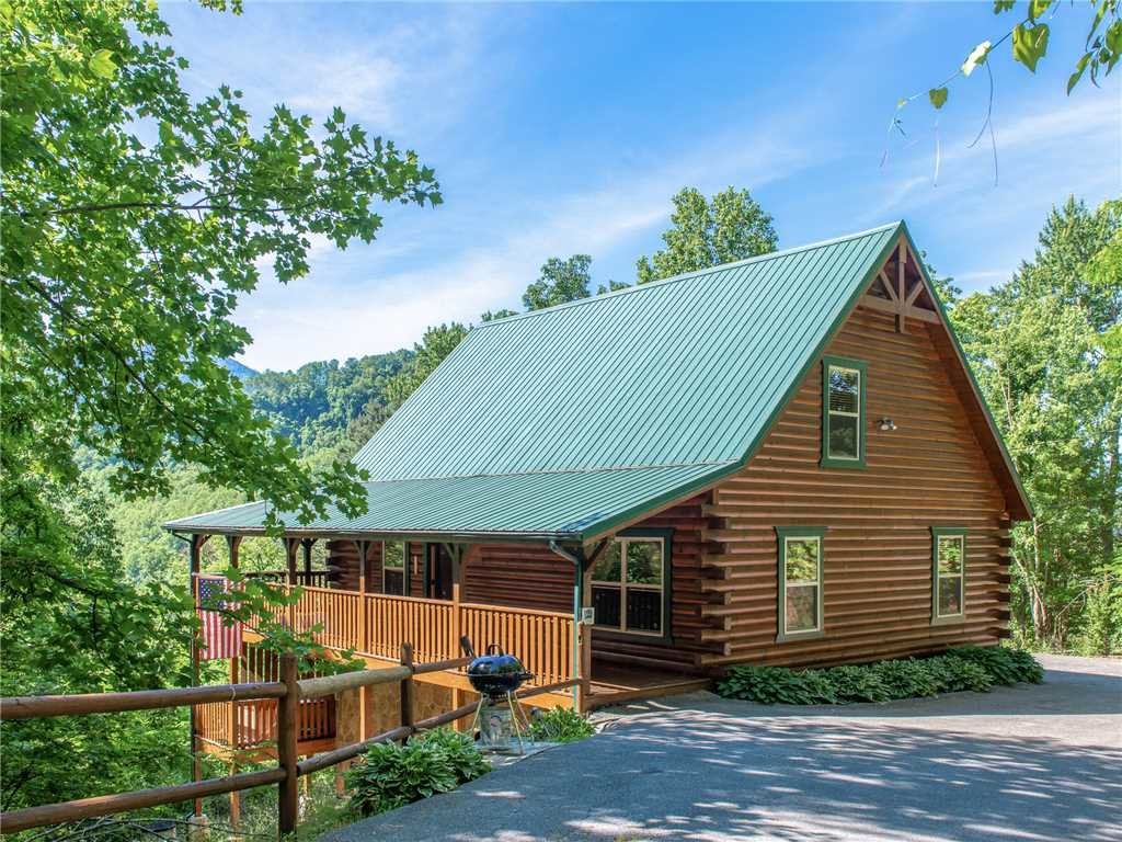 Photo of a Gatlinburg Cabin named Triple Mountain View - This is the thirty-ninth photo in the set.