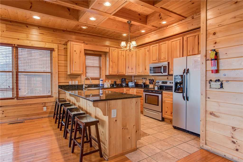 Photo of a Sevierville Cabin named Having A Blast - This is the eighth photo in the set.