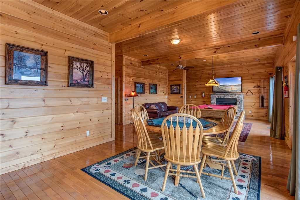 Photo of a Sevierville Cabin named Having A Blast - This is the twelfth photo in the set.