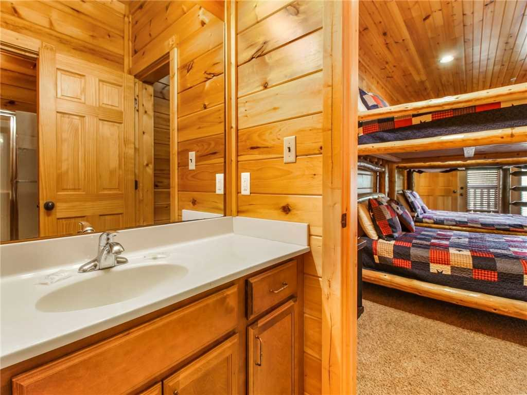 Photo of a Gatlinburg Cabin named Big Sky Lodge Ii - This is the thirty-fifth photo in the set.