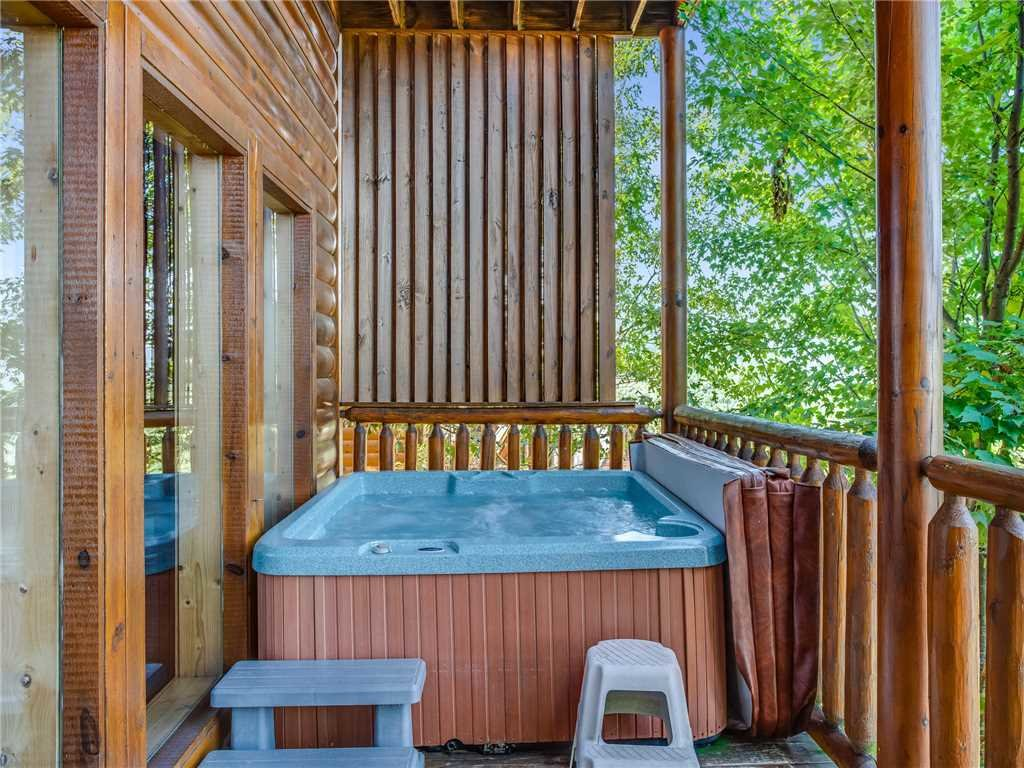 Photo of a Sevierville Cabin named Having A Blast - This is the thirty-ninth photo in the set.