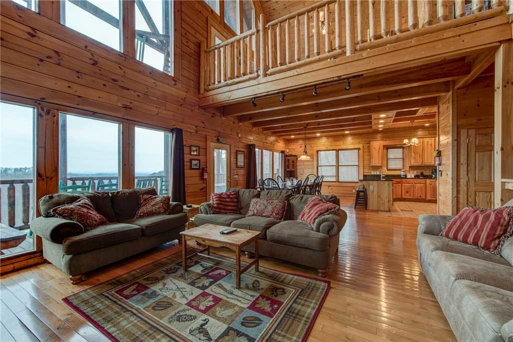 Photo of a Sevierville Cabin named Having A Blast - This is the fourth photo in the set.