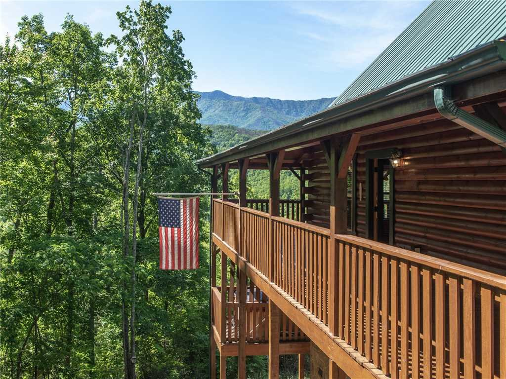 Photo of a Gatlinburg Cabin named Triple Mountain View - This is the thirty-sixth photo in the set.