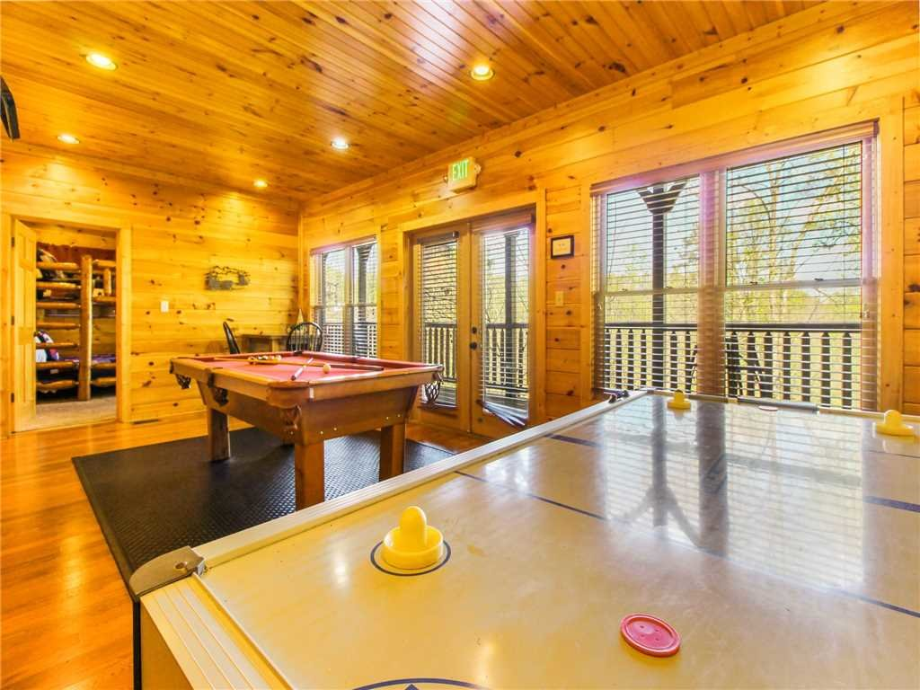 Photo of a Gatlinburg Cabin named Big Sky Lodge Ii - This is the fourteenth photo in the set.