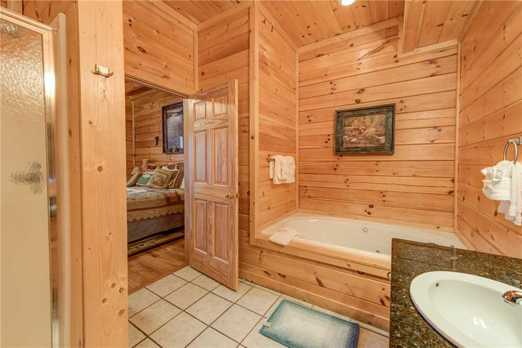 Photo of a Sevierville Cabin named Having A Blast - This is the twenty-first photo in the set.