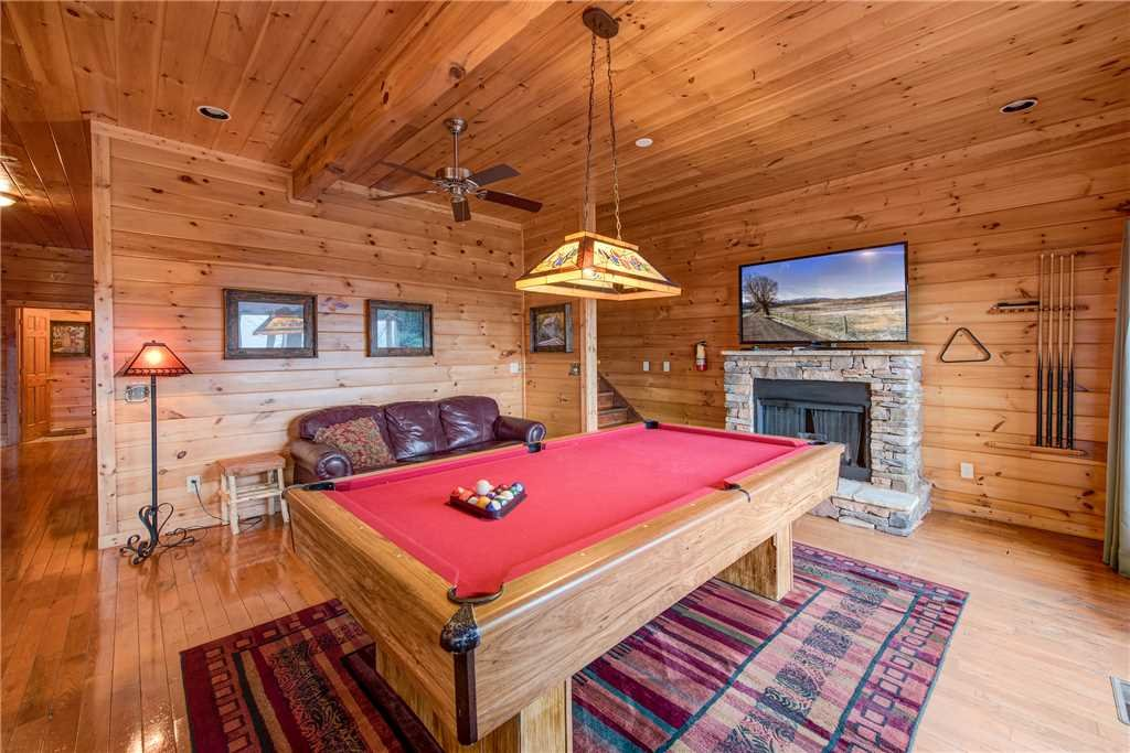 Photo of a Sevierville Cabin named Having A Blast - This is the tenth photo in the set.
