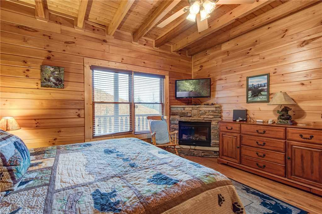 Photo of a Sevierville Cabin named Having A Blast - This is the twenty-third photo in the set.