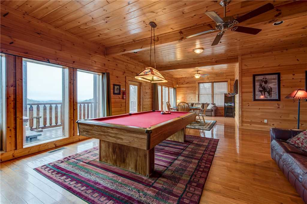 Photo of a Sevierville Cabin named Having A Blast - This is the eleventh photo in the set.
