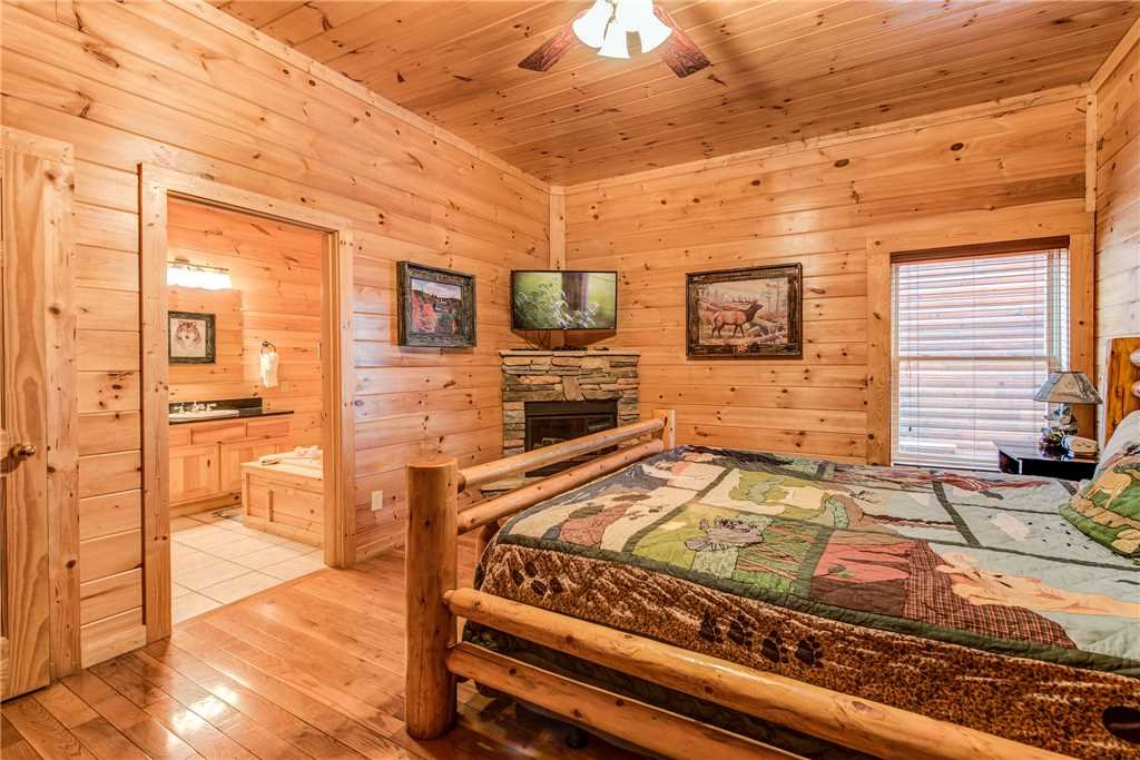 Photo of a Sevierville Cabin named Having A Blast - This is the thirty-fourth photo in the set.