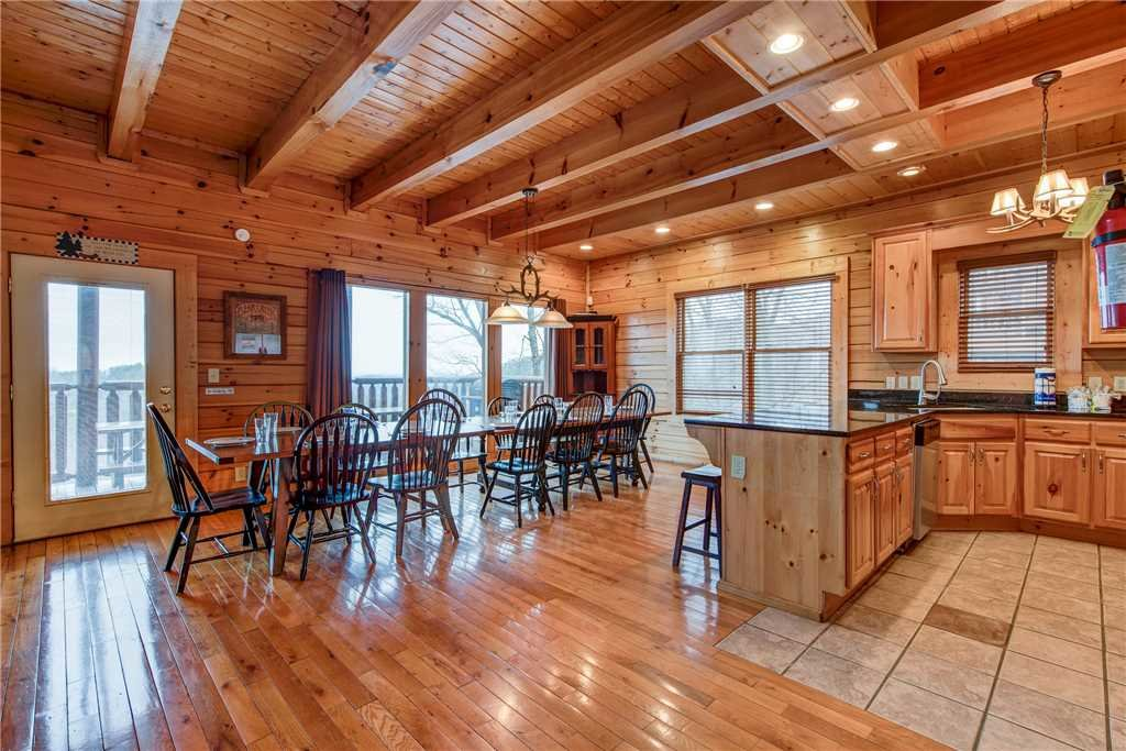 Photo of a Sevierville Cabin named Having A Blast - This is the seventh photo in the set.