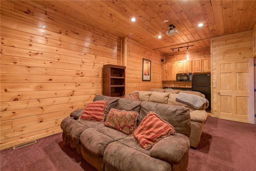 Photo of a Sevierville Cabin named Having A Blast - This is the fifteenth photo in the set.