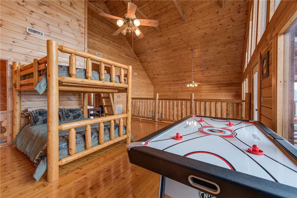 Photo of a Sevierville Cabin named Having A Blast - This is the sixteenth photo in the set.