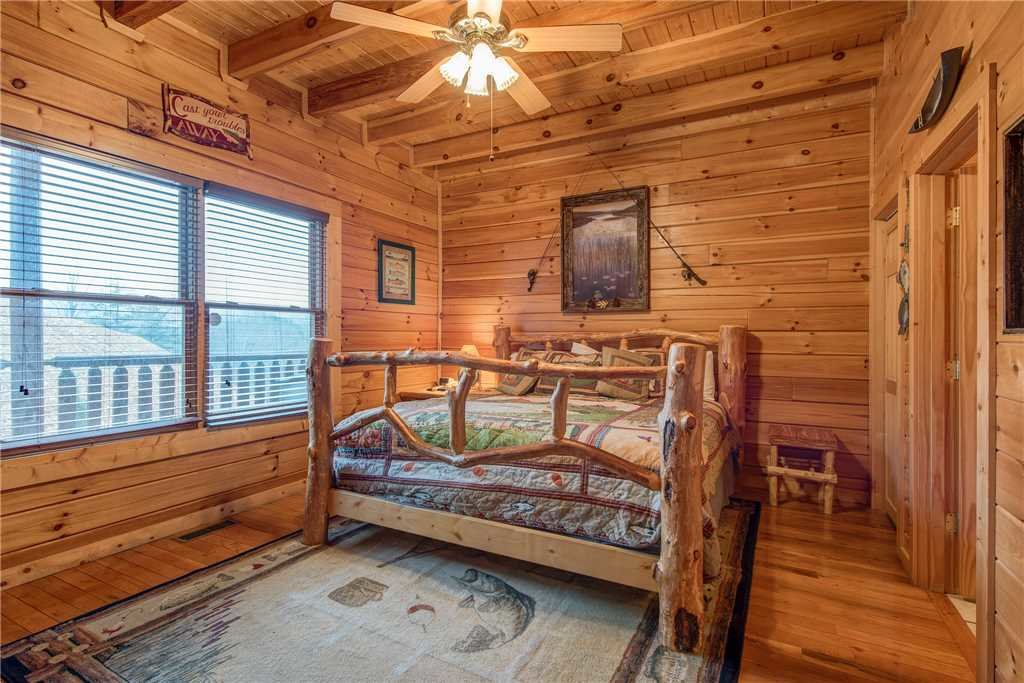 Photo of a Sevierville Cabin named Having A Blast - This is the nineteenth photo in the set.