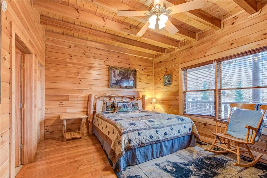 Photo of a Sevierville Cabin named Having A Blast - This is the twenty-second photo in the set.