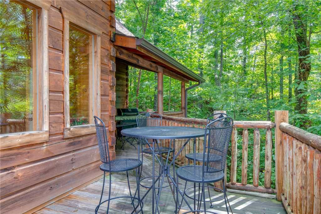Photo of a Gatlinburg Cabin named Unbridled Spirit - This is the second photo in the set.