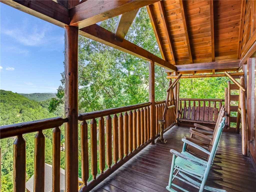 Photo of a Sevierville Cabin named Having A Blast - This is the thirty-eighth photo in the set.